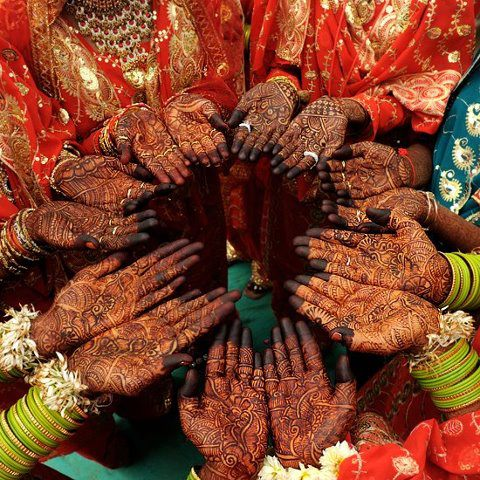 Fabulous Friday – Wedding Party Henna